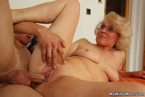 For Older Mothers Lovers Lewd Blondes Stepmom In Sporty Blackmailing H