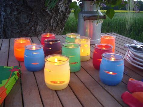creation avec pot de yaourt cr 233 er des photophores en couleur avec des pots de yaourts d 233 cod 233 brouille