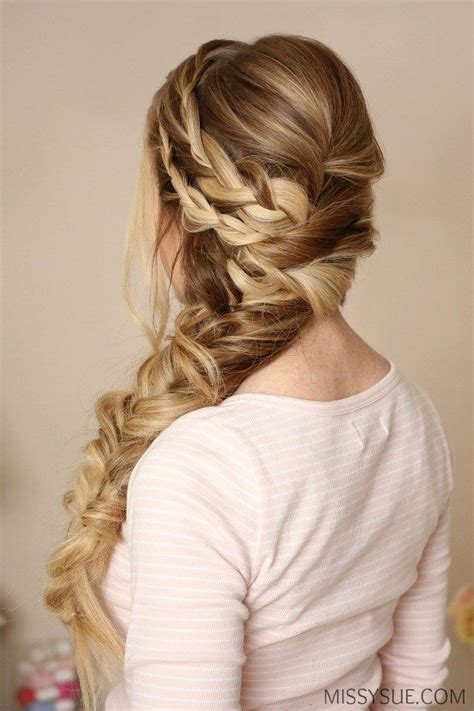 Formal Hairstyles On The Side by 1000 Ideas About Side Braid Wedding On Prom