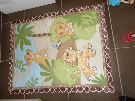 veilleuse chambre bébé arrivée de bébé dans le monde de disney déco chambre