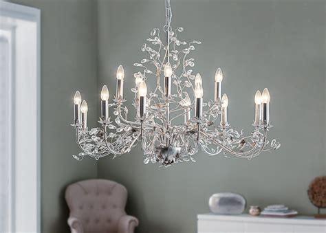 Design Leuchten Werten Die Wohnungseinrichtung Auf by Der Prunkvolle Kronleuchter Evita Der Marke Lightmakers