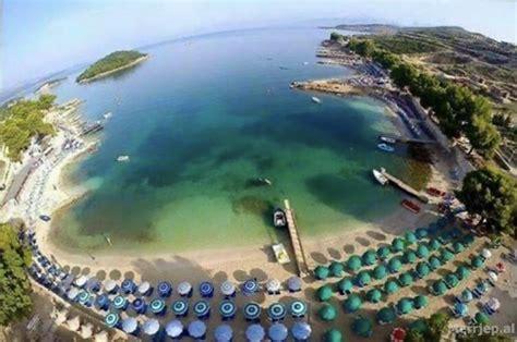 Ksamil- Shtepi 1 minute ne kembe larg detit   Sarandë