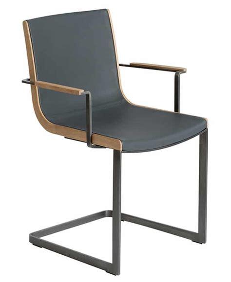 chaise cuir et metal chaise design en noyer quadro