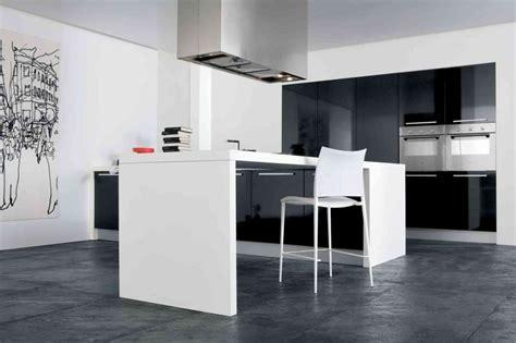 marques de cuisines allemandes cuisine haut de gamme allemande allemand meuble haut de gamme en chne vue de profil sur de la