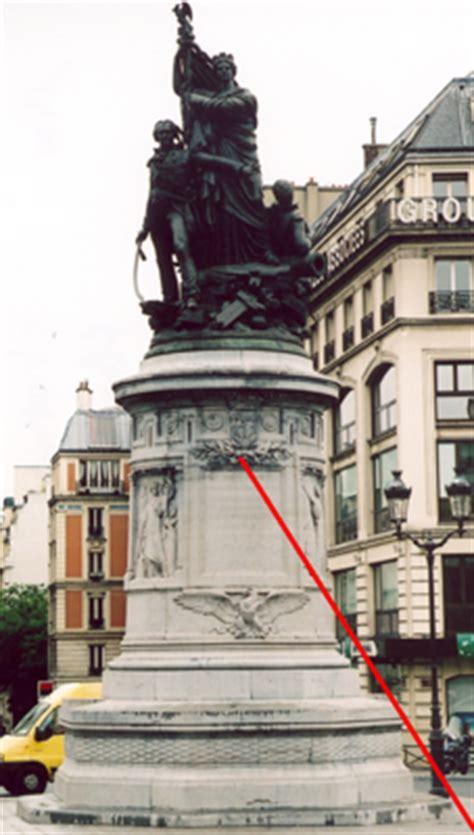 socle de la statue du mar 233 chal moncey place clichy 18
