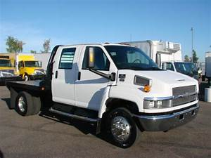 Used 2005 Chevrolet C5500 Crew Cab Flatbed Truck For Sale