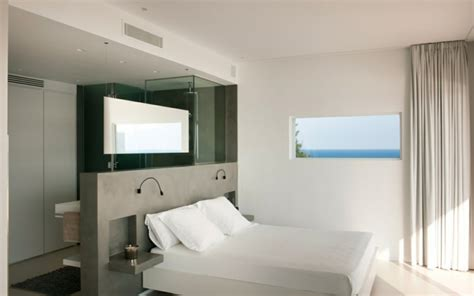idee chambre parentale avec salle de bain chambre avec salle de bain fusion d 39 espaces harmonieuse