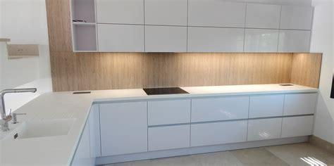 muebles de cocina en blanco polar alto brillo