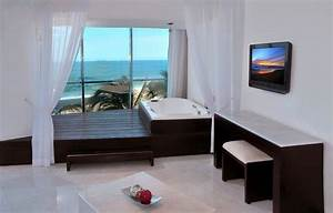 Crowne plaza mazatlan honeymoon suite with jacuzzi for Crowne plaza honeymoon suite