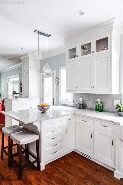 kitchen furniture white best 25 white kitchen cabinets ideas on white