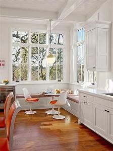 la chaise tulipe une icone emblematique du design With coin cuisine avec banquette