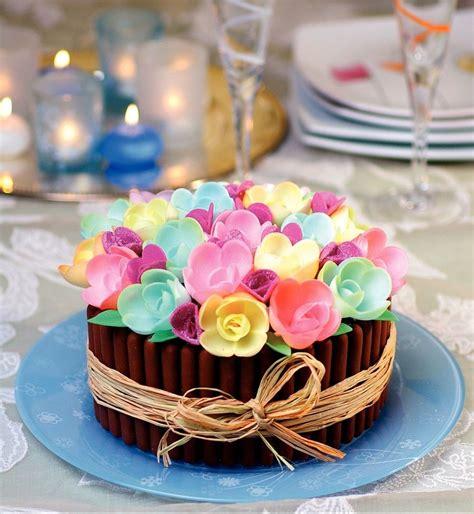 livre recette de cuisine la bible des gâteaux d anniversaire et de fête