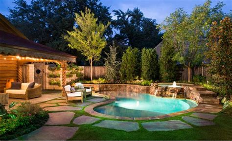 15 Beautiful Backyards With Pools To Inspire