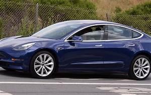 Tesla Model 3 Price : tesla model 3 updated version of the blue release candidate spotted electrek ~ Maxctalentgroup.com Avis de Voitures