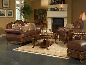 Living room decorating ideas with brown leather furniture for Decorating living room with brown leather couch