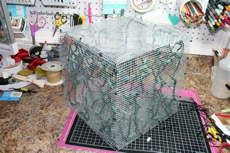 diy wire frame christmas decorations how to make a lighted box decoration box decorations trendy tree and chicken wire