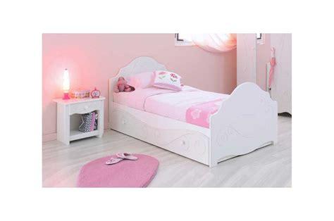 meuble tv pour chambre a coucher lit design laqué blanc fille trendymobilier com
