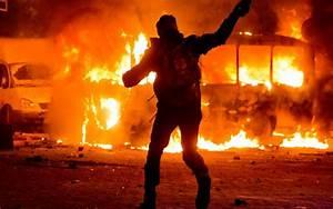 riot police lit on fire in Ukraine revolt - Gallery ...