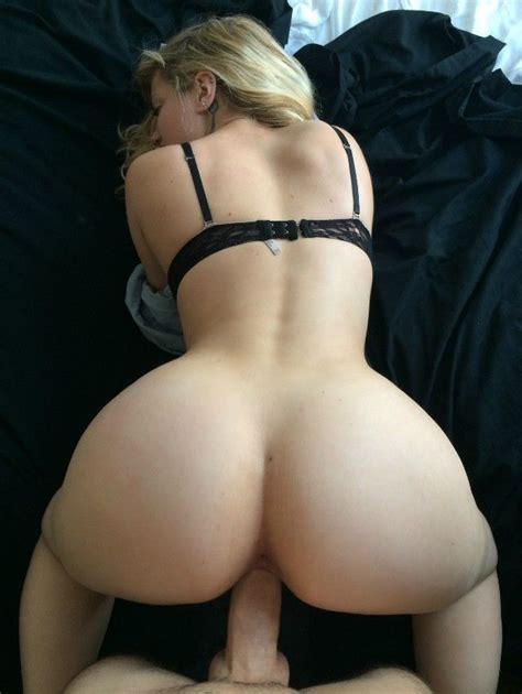 Bubble Butt Anal Lesbians