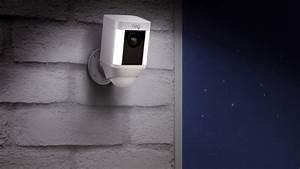 Abus Smart Home : ring spotlight cam verkabelt mit akku oder solarbetrieben ~ Orissabook.com Haus und Dekorationen