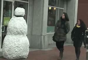 Freaky Snowman - Freaky GIF - SnowMan Move Moving ...