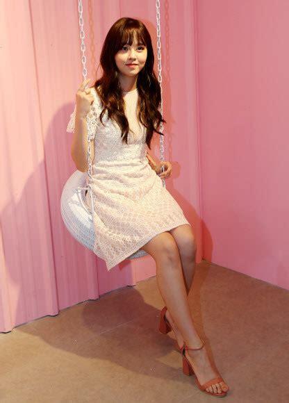 여자 연예인 맨발 — 달샤벳 김소현 맨발 발가락