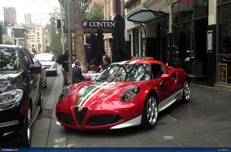 Ausmotive.com » Alfa Romeo 4c Drops Into Melbourne For Coffee