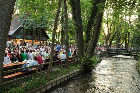 Insel Mühle Biergarten  Biergartenführer München