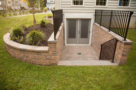 daylight basement floor plans tips for construction basement egress door jeffsbakery