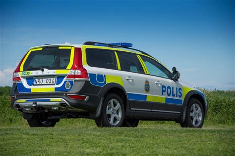 volvos updated  xc  awd police car   thumbs