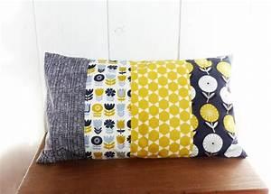 Housse De Coussin Jaune : housse de coussin 50 x 30 cm patchwork de tissus fleurs et losanges jaune et gris d co ~ Teatrodelosmanantiales.com Idées de Décoration