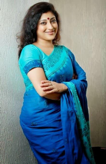 Malayalam Actress Lakshmi Gopalaswamy Photos In Saree