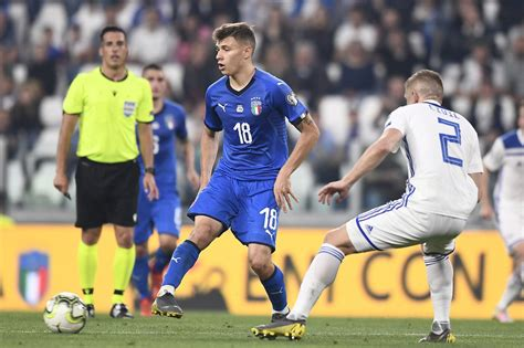 The nerazzurri finished second in conte's first season at the helm, but went all the. Barella-Inter, Giulini: L'offerta dei nerazzurri non ci ...