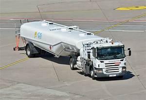 Lkw Vermietung Bonn : scania p 230 flugfeldtankwagen am flughafen k ln bonn ~ Markanthonyermac.com Haus und Dekorationen