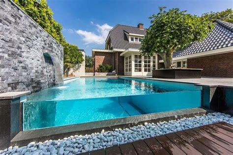 piscine de jardin creusee semi creusee ou hors sol