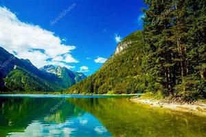 Schöne Bilder Kaufen : sch ne landschaft see mit berg im hintergrund stockfoto jozefklopacka 123488072 ~ Pilothousefishingboats.com Haus und Dekorationen