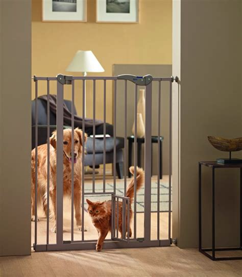pet gates with door labrador puppies and baby gates the labrador site