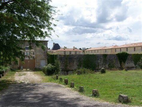 Le Douhet (17), château - Photo de Châteaux de la région ...