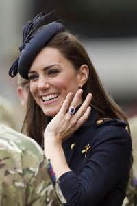 kate middleton engagement ring kate middleton 39 s engagement ring is worth a lot more than it was in 1981 instyle uk