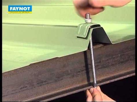 crochet pour fixation de couverture sur poutrelles