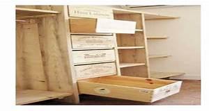 Faire un dressing avec des caisses en bois