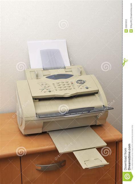 vieux bureau vieux fax dans le bureau photo stock image du lumière