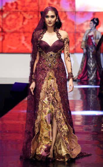 anne avanties kebaya  indonesia fashion week