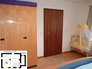 Großer Kleiderschrank Schlafzimmer : ferienhaus engelsdorf schlafzimmer des gro en ferienhaus eifel ~ Markanthonyermac.com Haus und Dekorationen