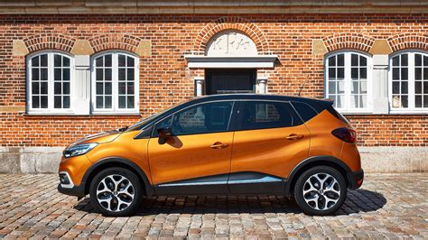 new renault captur 2017 renault captur signature s nav tce 120 2017 review car