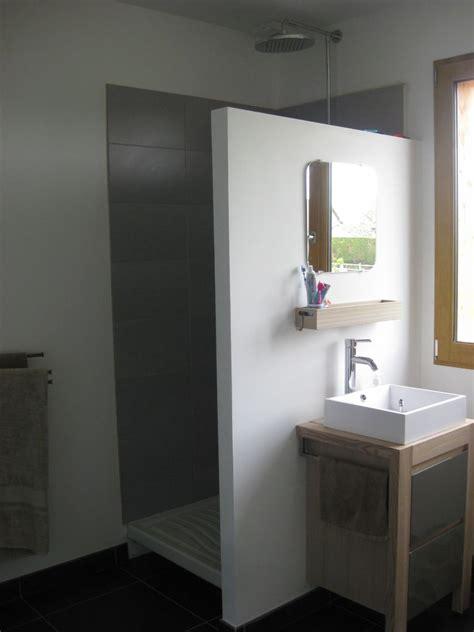 prolonger la paroi de la doucheposer une porte de douche