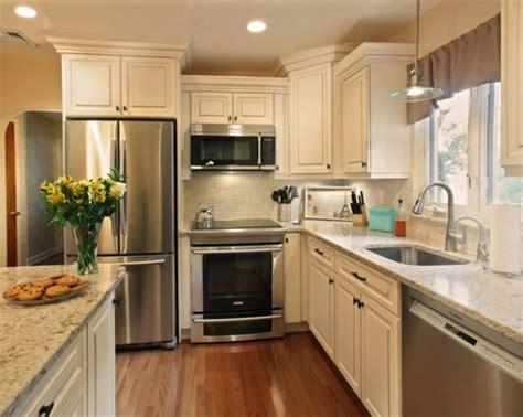 backsplash for kitchen countertops brilliant traditional style kitchen ideas020 kitchen 4252