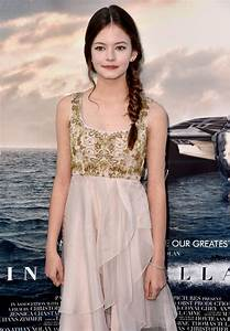 Mackenzie Foy Photos Photos - 'Interstellar' Premieres in ...