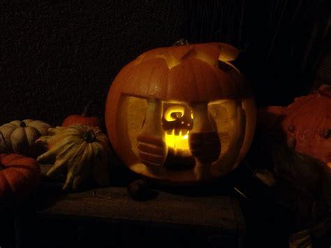 kuerbis schnitzen halloween  gefaengnis pumpkin