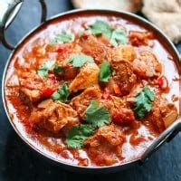 slow cooker spicy chicken curry nickys kitchen sanctuary